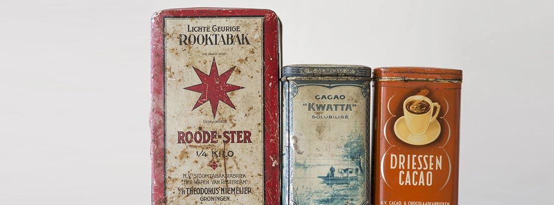 Cajas de especias con diseño retro.