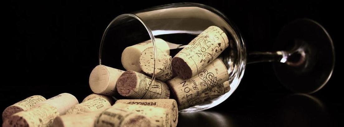 corcho de vino sin sacacorchos