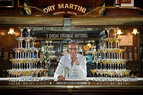 La cocteleria Dry Martini con Javier de las Muelas