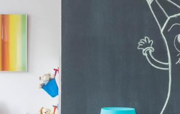 Habitación infantil decorada con pintura a la tiza