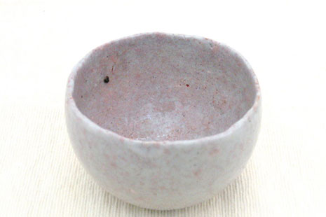 Cuenco artesanal de cerámica blanca