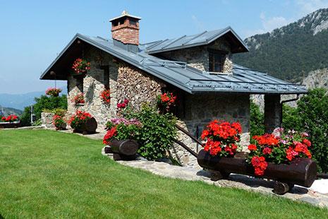 La decoración de las casas de campo también debe de tener en cuenta el espacio exterior