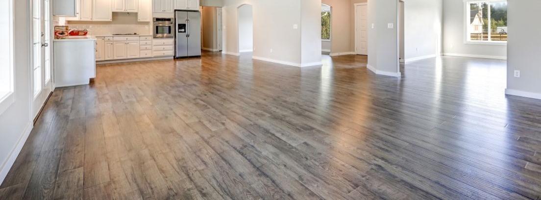 Aislar paredes con suelo laminado canalhogar - Que es un suelo laminado ...