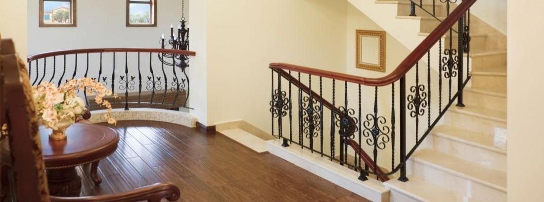 Reparar la barandilla de una escalera