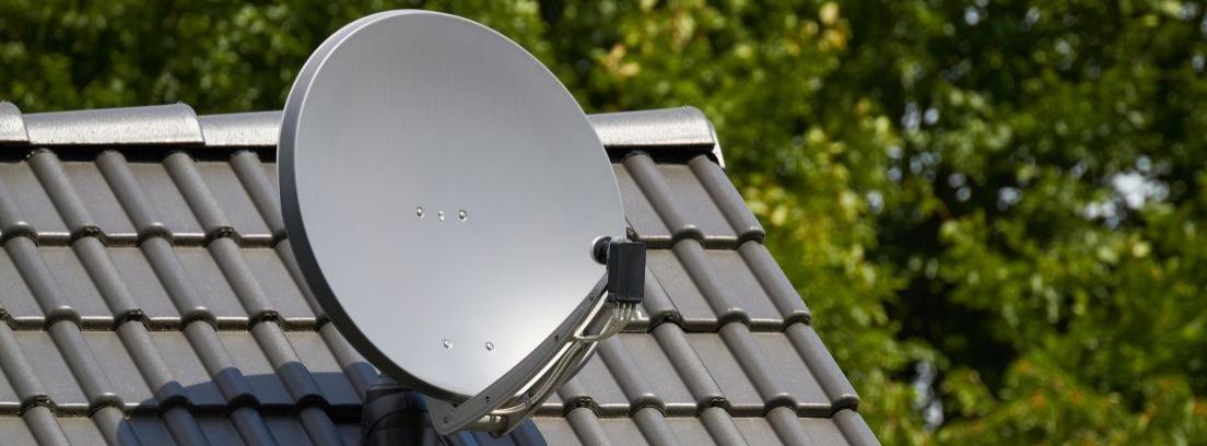 Antenas parabólicas en una comunidad de vecinos