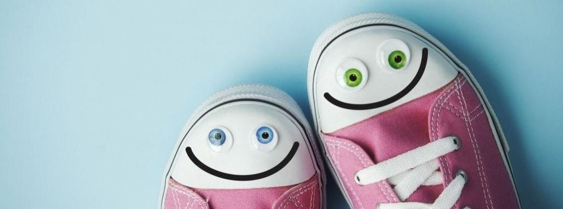 Dos pares de zapatillas