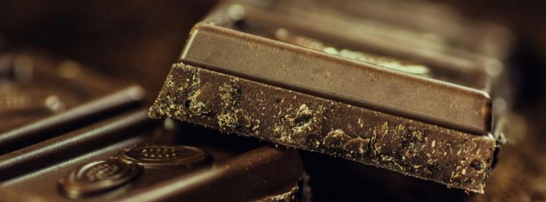 Cómo conseguir virutas de chocolate