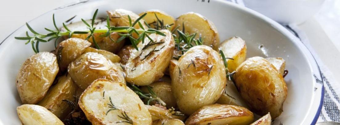 Preparar unas deliciosas patatas asadas en el microondas
