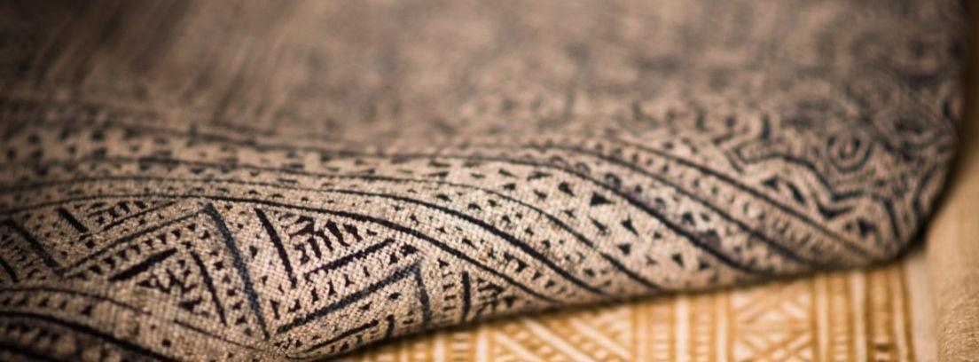 Decorar con alfombras en las paredes