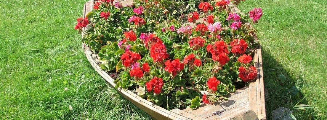 Colocar un arriate en el jard n canalhogar for Colocar adoquines en jardin