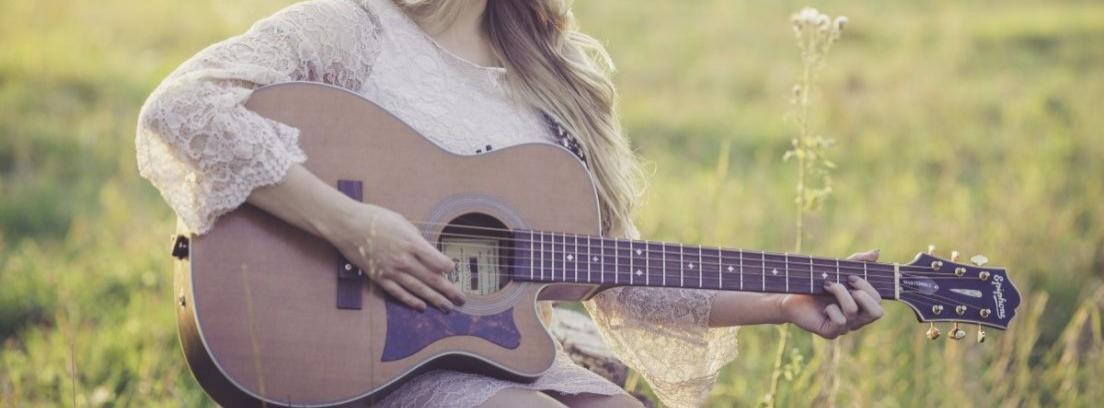 Barnizar guitarra