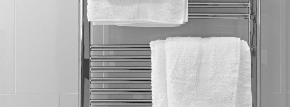 Radiador toallero blanco vertical
