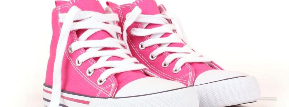 Pintar cordones de zapatillas