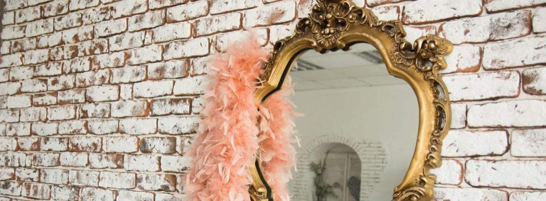 Renovar el marco de un espejo