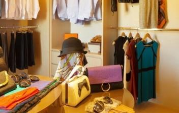 Cómo decorar y organizar un vestidor pequeño