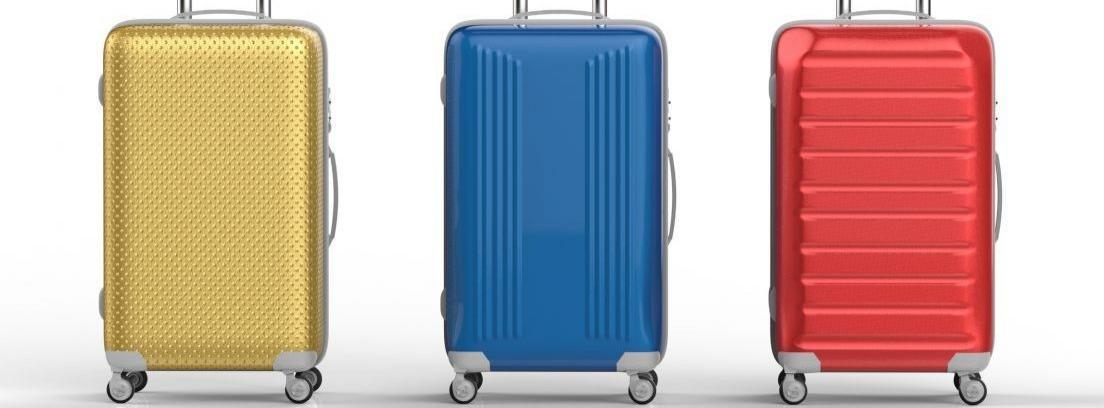 Juego de cuatro maletas de colores y tamaños variados