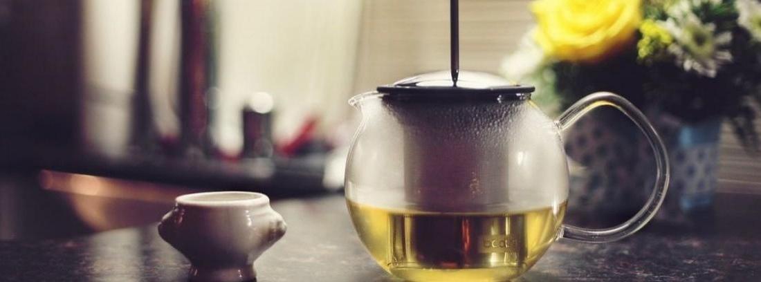 Eliminar una mancha de té