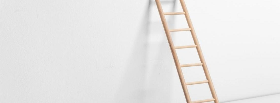 C mo hacer una escalera de madera canalhogar - Como construir una escalera de madera ...