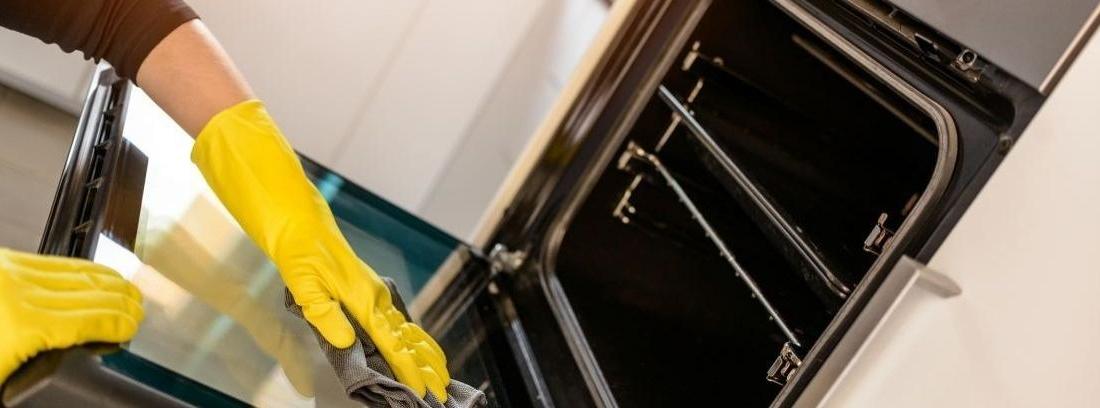 Aprende a cómo limpiar el horno muy sucio paso a paso