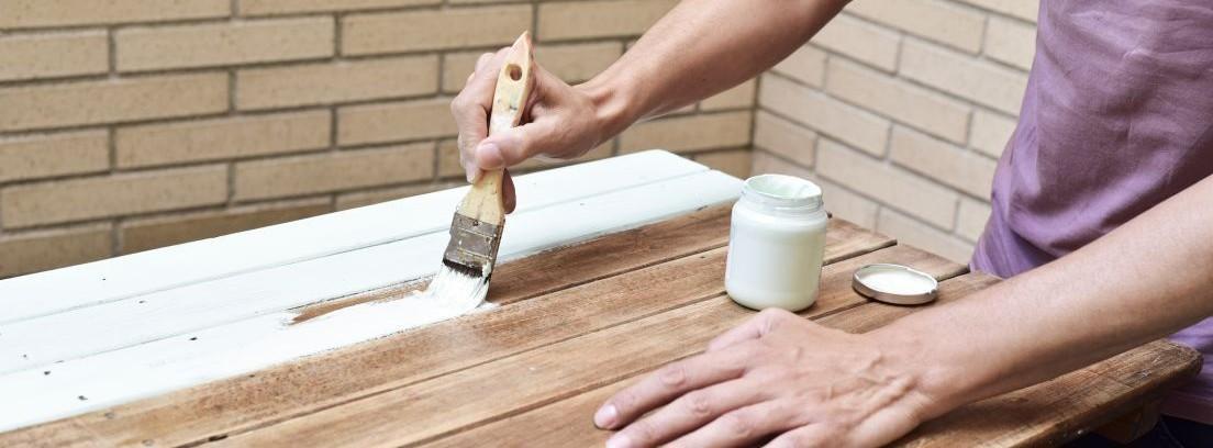 Cómo restaurar una antigua silla de madera