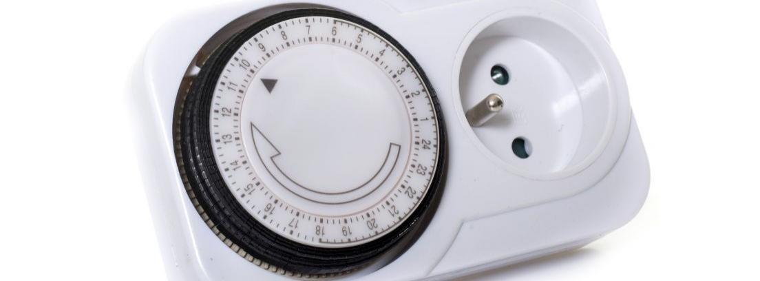 Cómo usar un programador eléctrico de enchufe