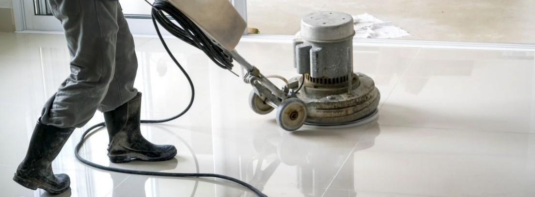 Consejos para pulir y abrillantar el suelo canalhogar - Pulir el suelo ...