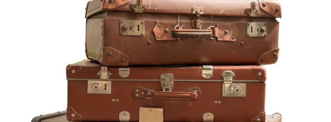 Convierte una maleta vieja en un baúl a la última