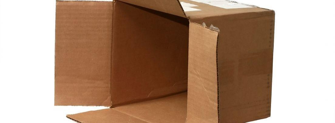 crear estanterías con cajas viejas