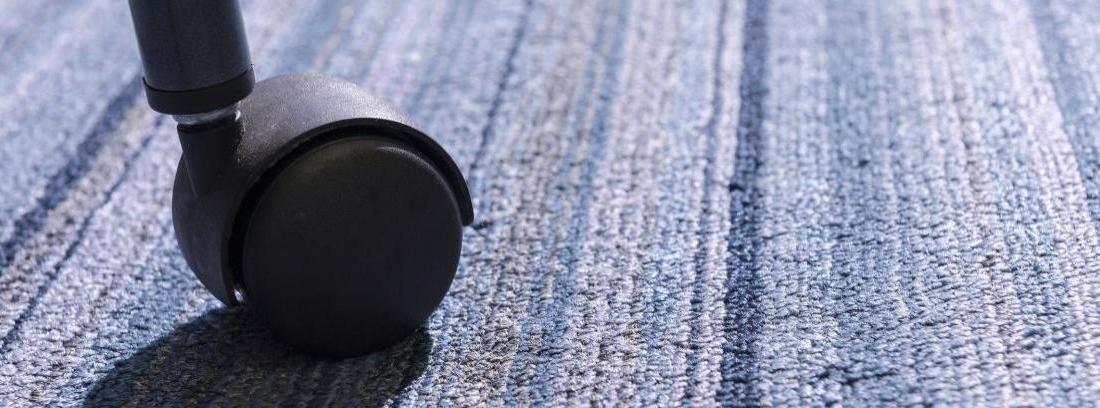 Mantén limpias las ruedas de tus muebles