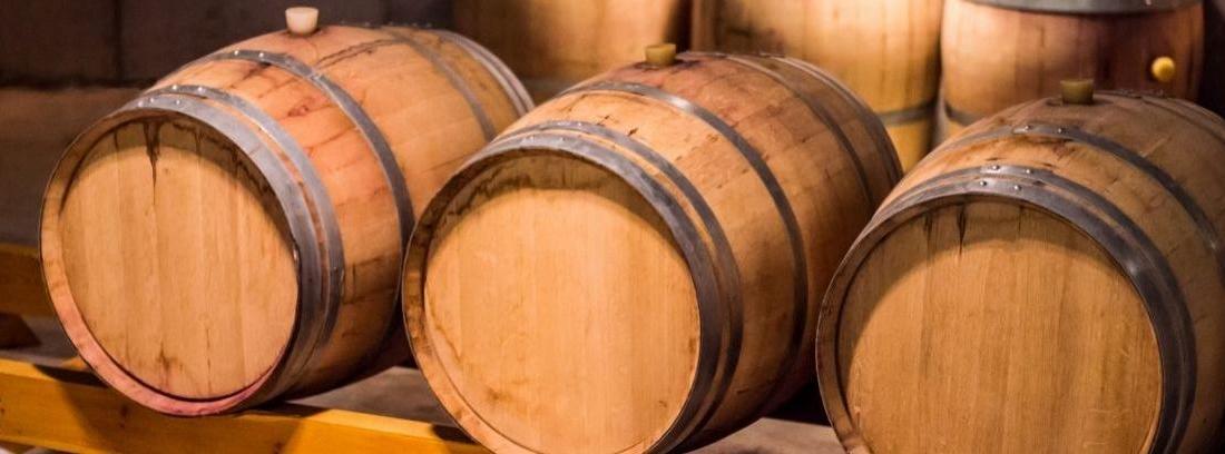 Hacer muebles con barricas de vino