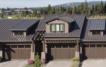 Casas con tejados de chapa
