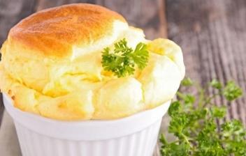 Origen y receta del soufflé de queso