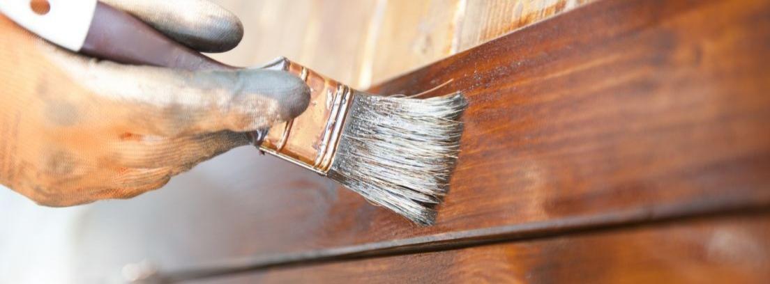 Pasos sencillos para cepillar la madera