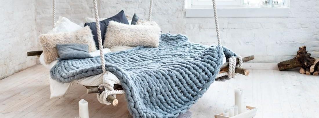 Habitación con una cama colgante