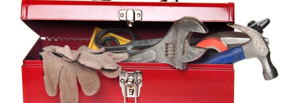 ¿Qué tiene una caja de herramientas completa?