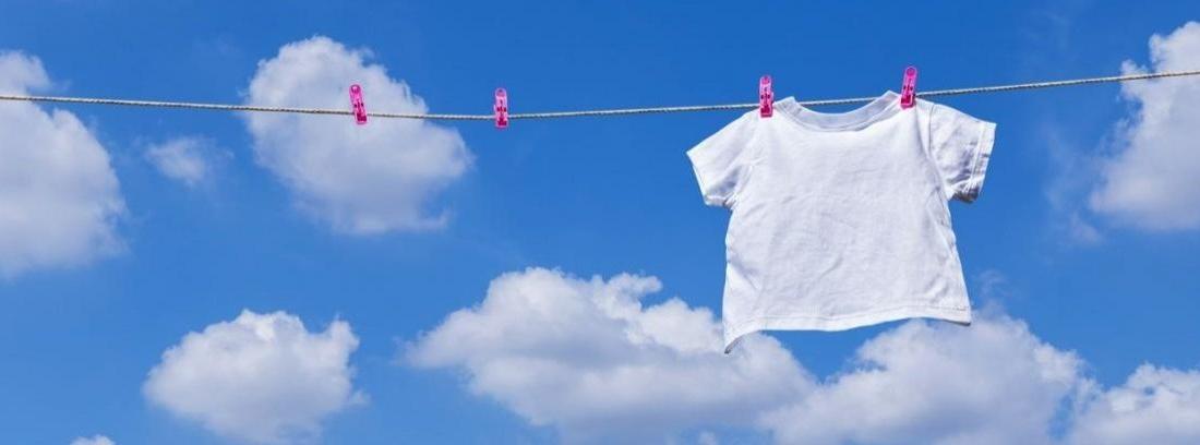 Quitar manchas de la ropa blanca sin lejía