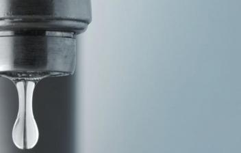 ¿Sabes cómo arreglar un grifo que gotea?