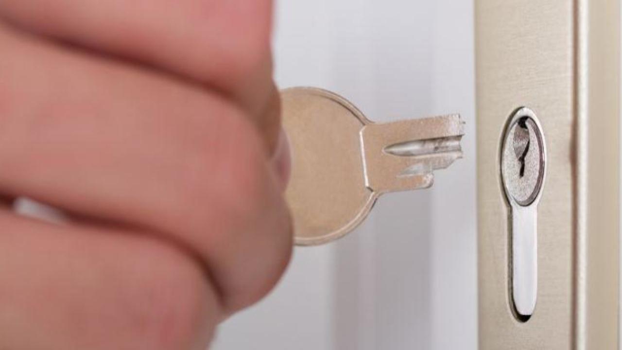 Cómo Sacar Una Llave Partida De Una Cerradura Canalhogar