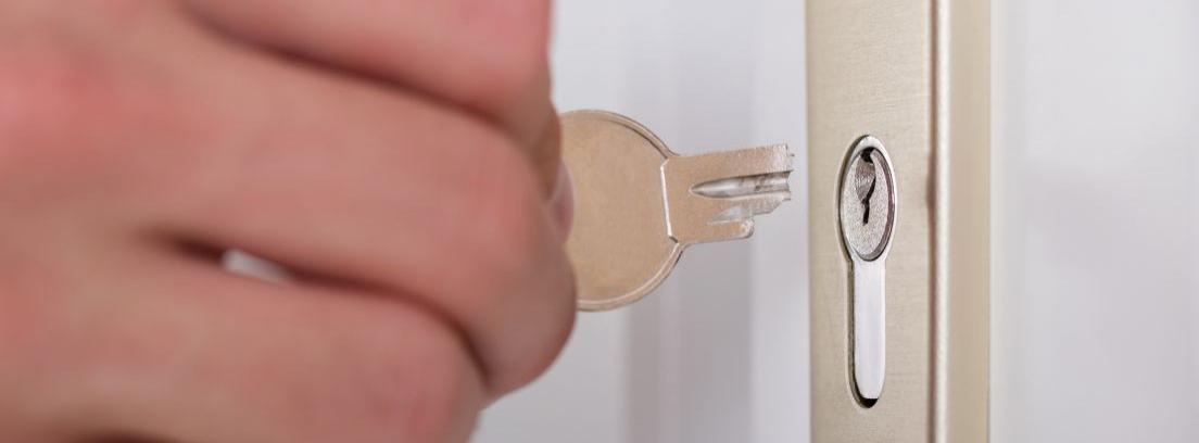 Sacar una llave rota de la cerradura
