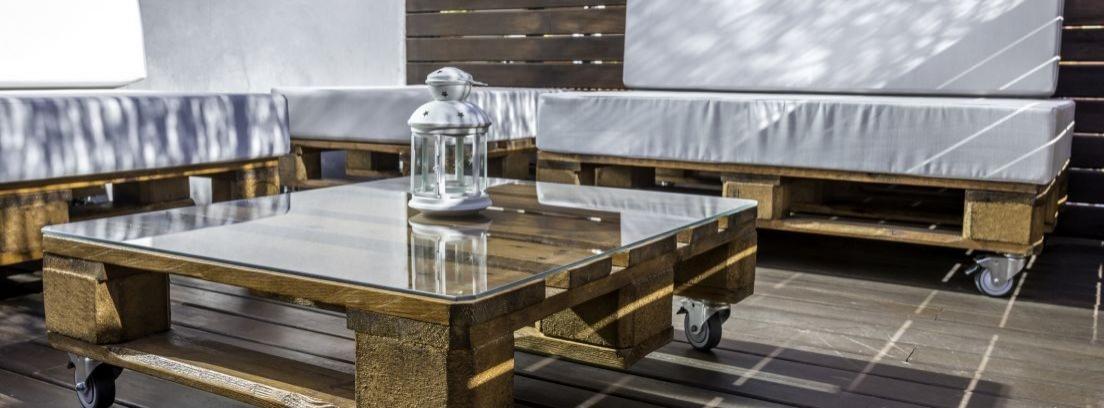 Sofá de palets para tu terraza o jardín