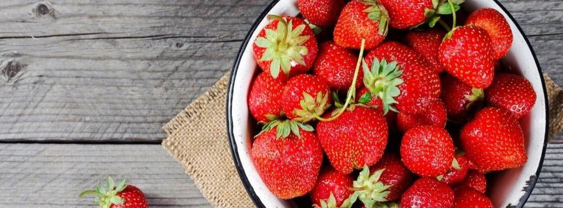 Tiempo de fresas: cuidados básicos de un huerto casero