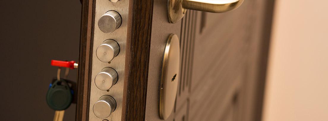 Cómo cambiar la cerradura de una puerta blindada