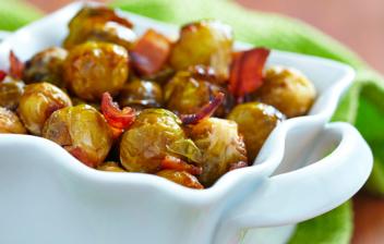 fuente de coles de bruselas y bacon