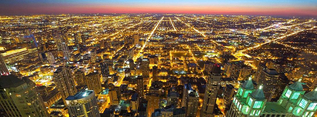 ciudad altamente iluminada