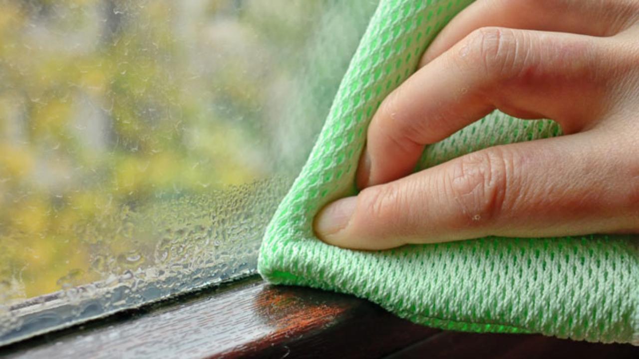 Quitar el moho por condensación de la ventana -canalHOGAR