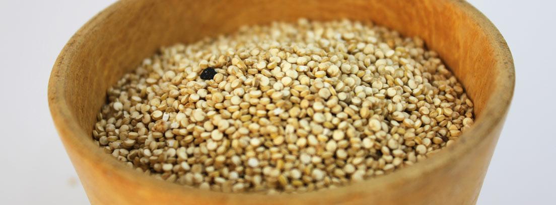 Maceta llena de semillas de amaranto