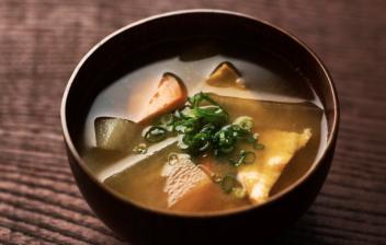 cuenco de sopa de miso