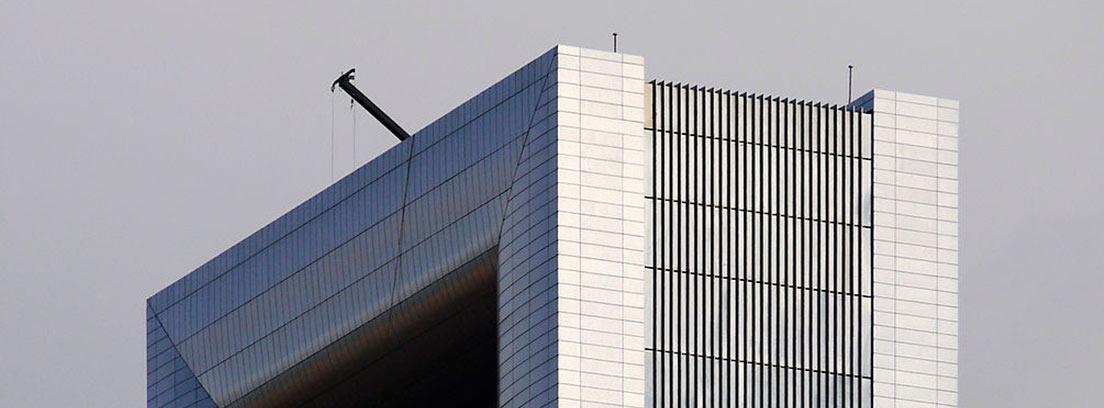 Parte superior de la Torre Foster en Madrid