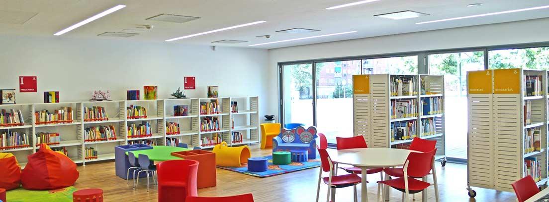 Sala infantil de la biblioteca municipal Ángel González (Latina)