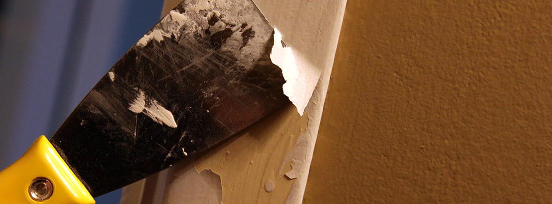 Trucos para quitar pintura de la madera sin dañarla